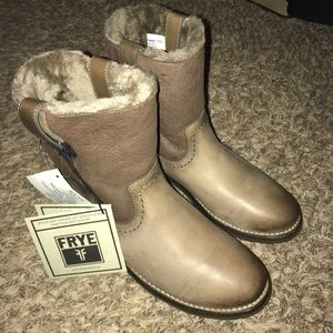 NWT FRYE Celia shearling Boots